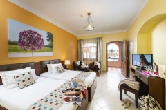 Rihana-Resort-Standard-Room-twin-beds-2